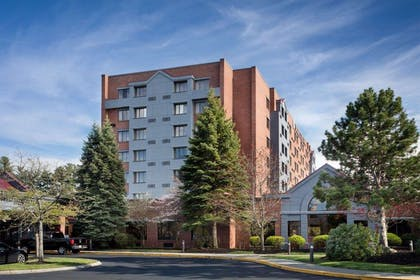 Exterior   Doubletree by Hilton Hotel Leominster
