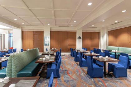 Restaurant | Hilton Garden Inn Orlando at SeaWorld