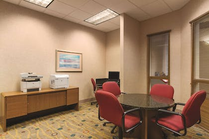 Business Center | Embassy Suites by Hilton Portland Airport
