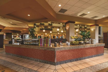 Restaurant | Embassy Suites by Hilton Portland Airport