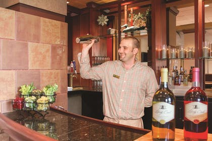 BarLounge | Embassy Suites by Hilton Portland Airport