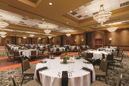 Meeting Room | Embassy Suites by Hilton Portland Airport
