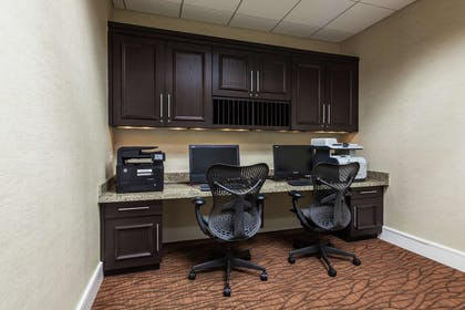 Business Center | Hilton Garden Inn Phoenix Midtown