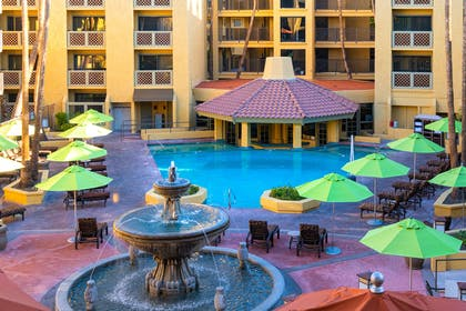 Exterior | Hilton Phoenix Resort at the Peak