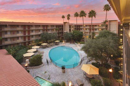 Pool   Embassy Suites by Hilton Phoenix Airport