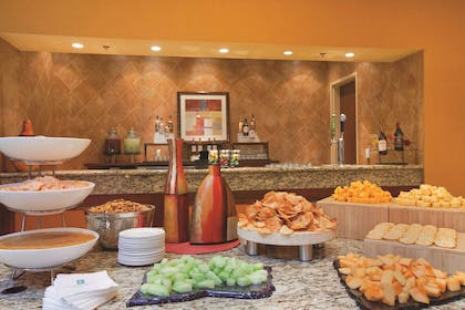 Reception | Embassy Suites by Hilton East Peoria Riverfront Hotel & Conference Center