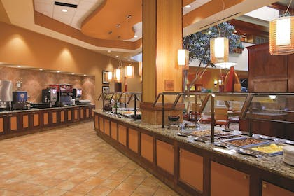Restaurant | Embassy Suites by Hilton East Peoria Riverfront Hotel & Conference Center