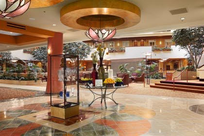 Lobby | Embassy Suites by Hilton East Peoria Riverfront Hotel & Conference Center
