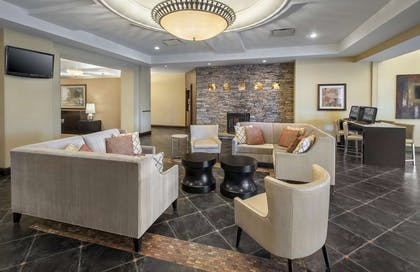 Lobby | DoubleTree by Hilton Pittsburgh Airport