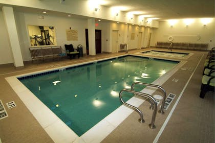 Pool | DoubleTree by Hilton Pittsburgh Airport