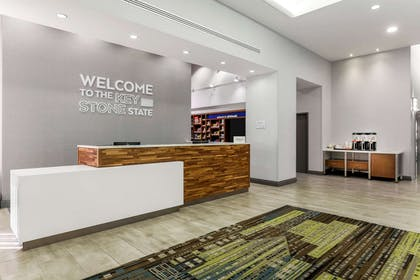Reception | Hampton Inn & Suites Pittsburgh-Downtown