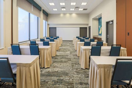 Meeting Room | Hampton Inn & Suites Pittsburgh-Downtown