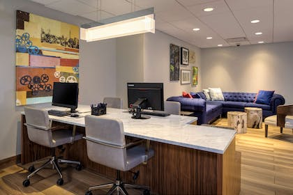 Business Center   DoubleTree by Hilton Hotel & Suites Pittsburgh Downtown