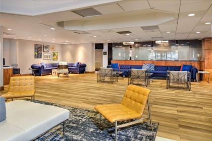 Lobby   DoubleTree by Hilton Hotel & Suites Pittsburgh Downtown