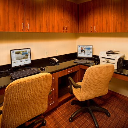Business Center | Hampton Inn & Suites Pittsburgh-Meadow Lands