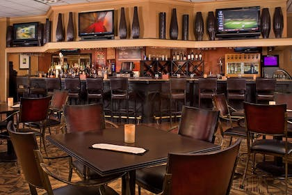 BarLounge | DoubleTree by Hilton Hotel Pittsburgh - Meadow Lands