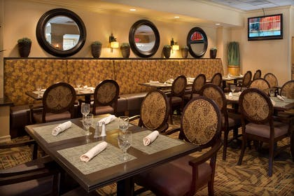 Restaurant | DoubleTree by Hilton Hotel Pittsburgh - Meadow Lands