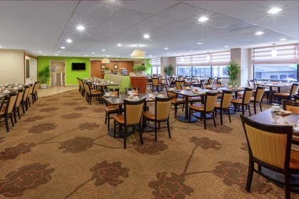 Breakfast Area | Hilton Garden Inn Pittsburgh University Place