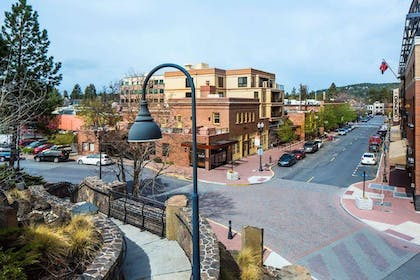 Exterior | DoubleTree by Hilton Hotel Bend