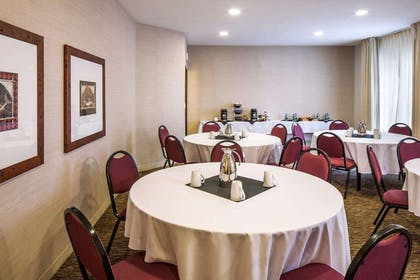 Meeting Room | DoubleTree by Hilton Hotel Bend