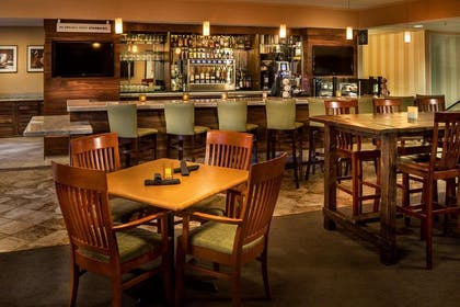 Restaurant | DoubleTree by Hilton Hotel Bend