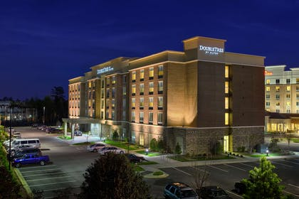 Exterior | DoubleTree by Hilton Hotel Raleigh - Cary