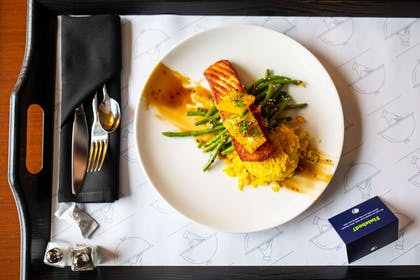 Restaurant | DoubleTree by Hilton Hotel Raleigh - Cary
