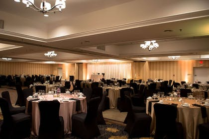 Meeting Room | DoubleTree by Hilton Hotel Raleigh - Brownstone - University