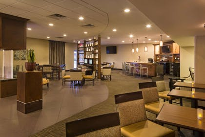 Lobby   DoubleTree by Hilton Hotel Raleigh - Brownstone - University