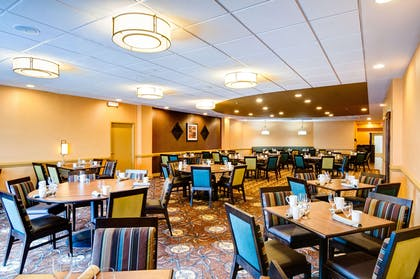 Restaurant | DoubleTree by Hilton Hotel Raleigh - Brownstone - University