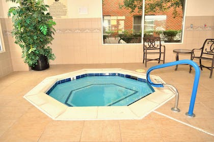 Pool | Homewood Suites by Hilton Richmond - Airport