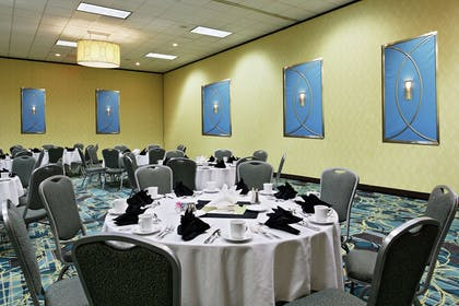 Meeting Room | DoubleTree by Hilton Hotel Richmond - Midlothian
