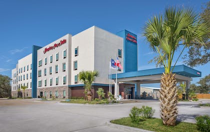 Exterior | Hampton Inn & Suites Rockport-Fulton