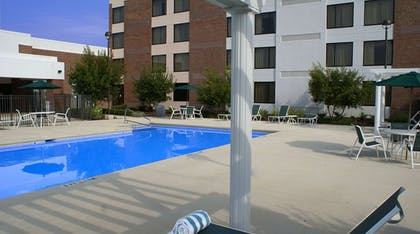 Pool | DoubleTree by Hilton Hotel Rocky Mount