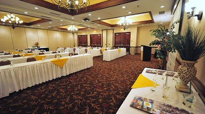 Meeting Room | DoubleTree by Hilton Hotel Rocky Mount