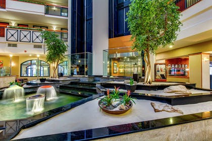Lobby   Embassy Suites by Hilton Louisville East