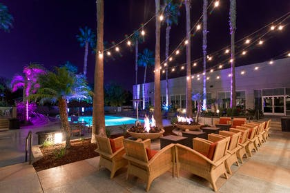 Restaurant | DoubleTree by Hilton Hotel San Diego - Mission Valley