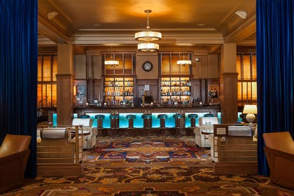 BarLounge | The Arctic Club Seattle - a DoubleTree by Hilton