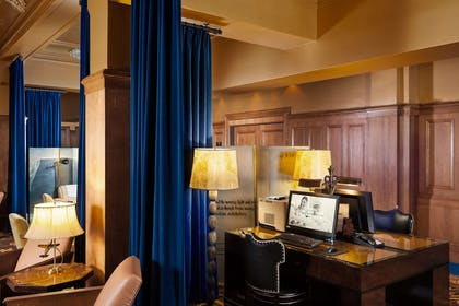 Business Center | The Arctic Club Seattle - a DoubleTree by Hilton