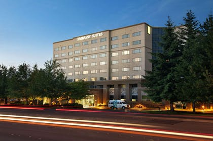 Exterior   Embassy Suites by Hilton Seattle Tacoma International Airport