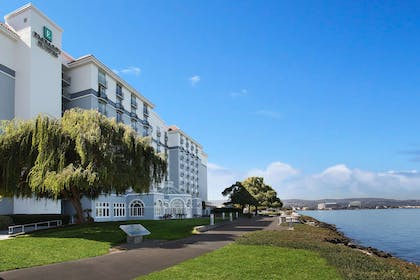 Exterior | Embassy Suites by Hilton San Francisco Airport Waterfront