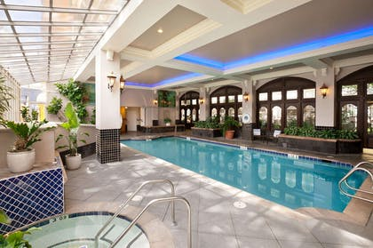 Pool | Embassy Suites by Hilton San Francisco Airport Waterfront