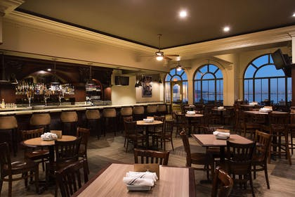 BarLounge | Embassy Suites by Hilton San Francisco Airport Waterfront