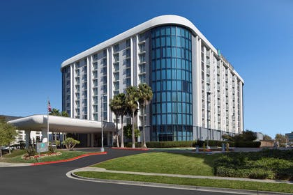 Exterior   Embassy Suites by Hilton San Francisco Airport