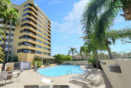 Pool | Embassy Suites by Hilton Anaheim - Orange