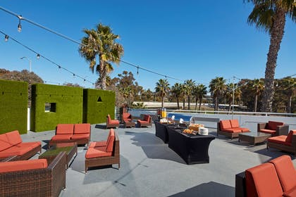 Exterior   DoubleTree Suites by Hilton Hotel Doheny Beach - Dana Point