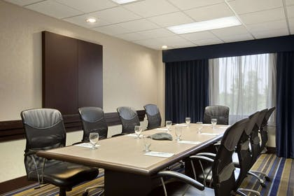 Meeting Room | Embassy Suites St. Louis - Airport