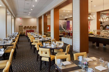 Restaurant | DoubleTree by Hilton Hotel St. Louis - Chesterfield