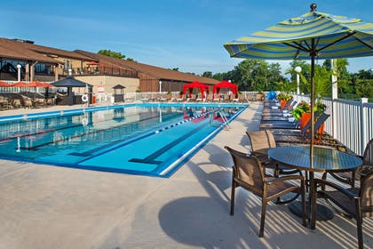 Pool | DoubleTree by Hilton Hotel St. Louis - Chesterfield