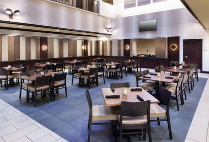 Restaurant | Embassy Suites by Hilton Tampa Brandon